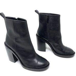🎉Kendall + Kylie Black Block Heel Ankle Boot🎉